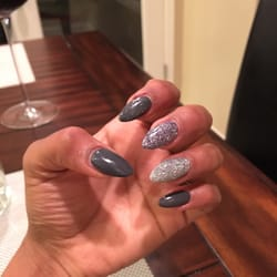 Karma Salon - Bakersfield, CA, États-Unis. Ashley did my stiletto nails!! Love them!!