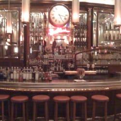 Die opulente Bar des Grand Cafe Baldini…