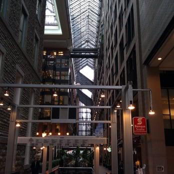 Centre de commerce mondial de montreal public services for Commerce montreal