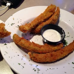 Pluckers Wing Bar - Great fried pickles! - Grapevine, TX, Vereinigte Staaten