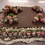 The Foundry - A chocolate strawberry grooms cake, by The Foundry - New Orleans, LA, Vereinigte Staaten