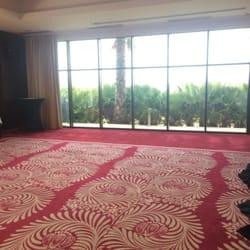 Le joli tapis de la salle
