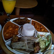 Mixed platter for 2: Chatpatta,…