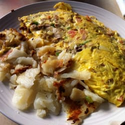 Barb's Country Kitchen - Kitchen sink omelette. - Pittsburgh, PA, Vereinigte Staaten