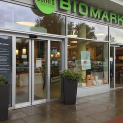 Der Eingang von denns Biomarkt