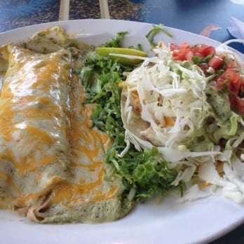 Wahoo s fish tacos mexican brentwood los angeles ca for Wahoo s fish taco menu nutrition