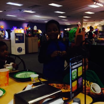 Chuck e cheese gun hill coupons