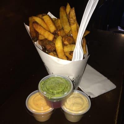 http://www.yelp.com/biz_photos/pommes-frites-new-york#0wpas2t2DTIIYO-wkfkkoQ