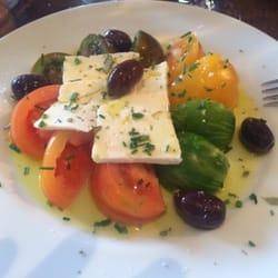 Assietes des tomates, feta, incredible…