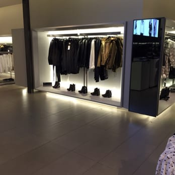 Clothes stores Zara clothing store