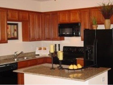 Kendall Lake Luxury Apartments