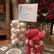 Platypus - Chester Township, NJ, États-Unis. All European Holiday glass balls marked down to $5.95!!