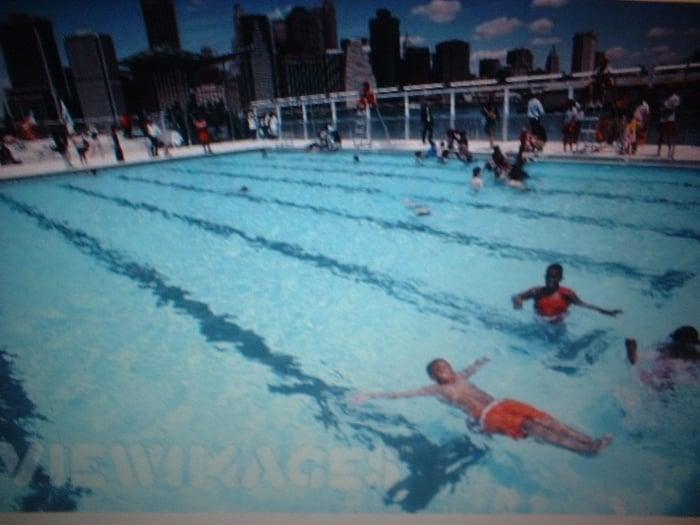 The Floating Pool At Brooklyn Bridge Park Beach Swimming Pools Brooklyn Heights Brooklyn