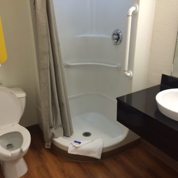 Motel 6 hotels eugene or reviews photos yelp for Best bathrooms ever