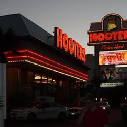 Hooters casino jobs