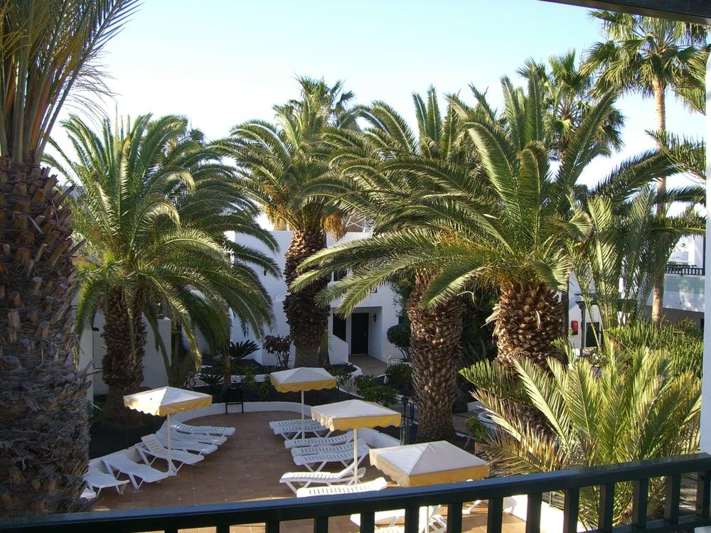 Apartamentos playa club lanzarote 13 photos hotels puerto del carmen las palmas spain - Apartamentos puerto rico las palmas ...