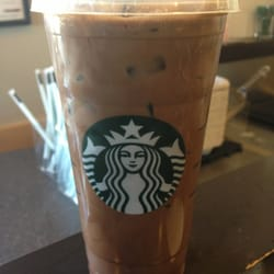 Starbucks - Placerville, CA, États-Unis. Soy Iced Peppermint Mocha...so good!!