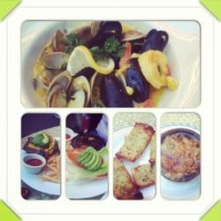 Bistro Beaujolais - Bouillabaisse, French onion soup, burgers-all delicious. - Carmel, CA, Vereinigte Staaten