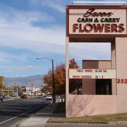 Savon Cash & Carry Florists - Albuquerque, NM, États-Unis. Another photo of the store from Candelaria Rd.
