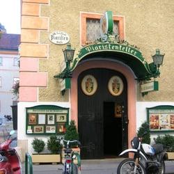 Piaristenkeller, Wien, Austria