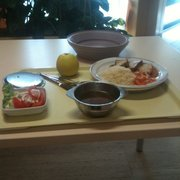 Klare Gemüsesuppe, Sojaschnitte, Reis,…