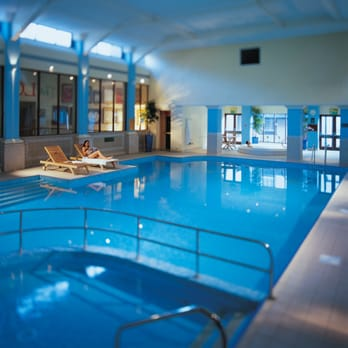 Breadsall Priory indoor swimming pool, complete with sauna, jacuzzi & steam room.