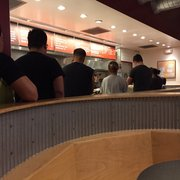 Chipotle Mexican Grill - Glendale, CA, États-Unis. The line at Chipotle...