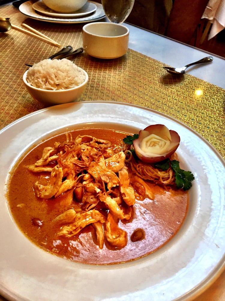Amarind's - Chicago, IL, United States. Chicken Massaman Curry