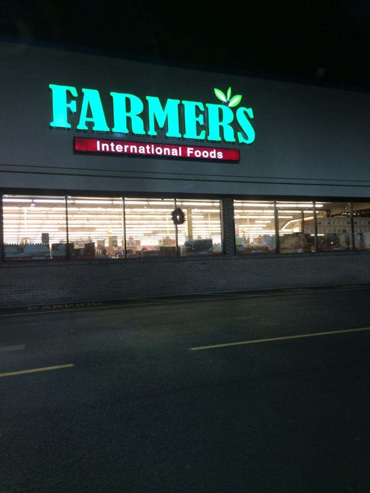 Farmers international foods 50 photos grocery for Fish store virginia beach