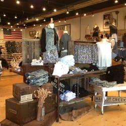 Brandy Melville: Instagram's First Retail Success - Businessweek