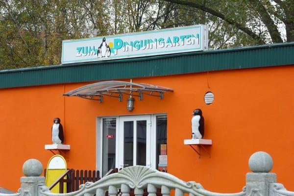 zum pinguingarten deutsches restaurant heinrich mann. Black Bedroom Furniture Sets. Home Design Ideas