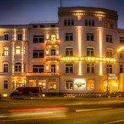relexa hotel bellevue bei Nacht