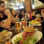 De Danú - Toulouse, France. Entre les Magner's et les burgers, visuellement ça fait pas trop brunch ;)