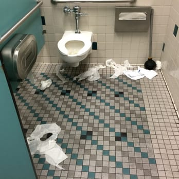 24 hour fitness trainers hollywood los angeles ca for Dirty bathroom photos