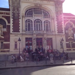 Théâtre Sébastopol - Lille, France. Du monde pour le spectacle de ce soir