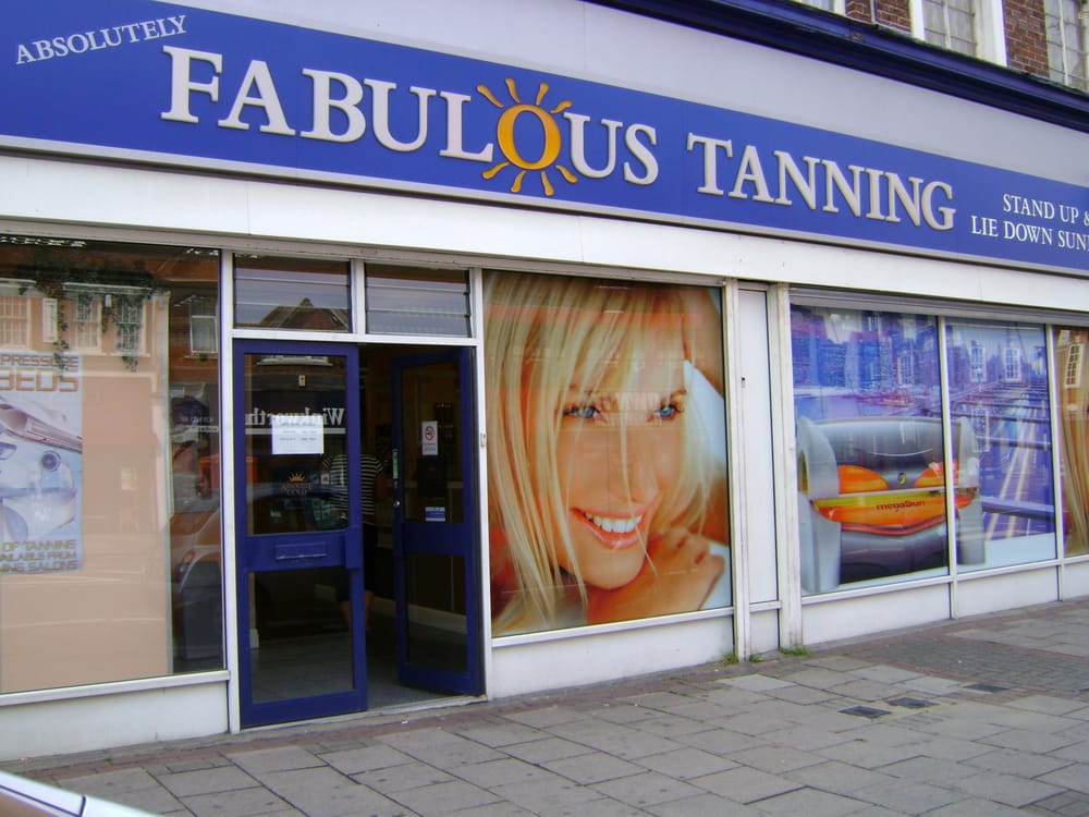 Absolutely fabulous tanning salons hairdressers gidea for Absolutely fabulous salon