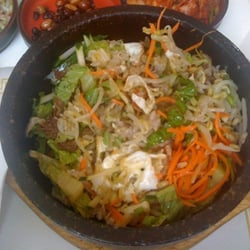 Touch of Seoul - Provo, UT, États-Unis. Beef BiBimBap I should have taken a pic before I mixed it up :) this was very good