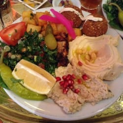Lunch box mezze, £6 - you get 5…