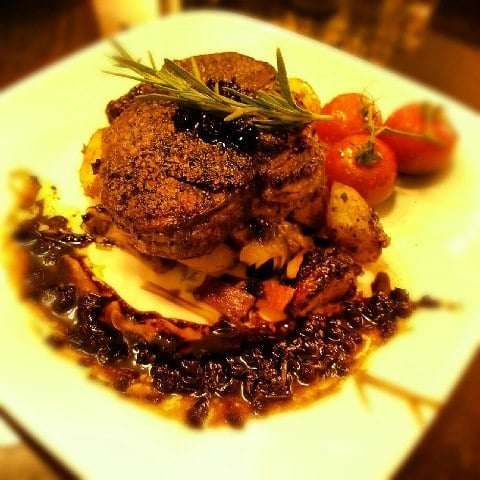 House Rustik - Filet mignon with a red wine reduction sauce - Los ...