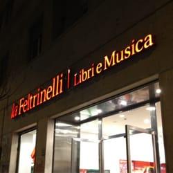 La feltrinelli libri e musica san giovanni roma yelp for Riviste feltrinelli