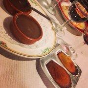 Petits pots de chocolat et madeleines au…