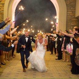 Eagle vines wedding