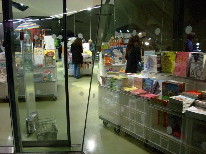 tate modern gift shop bokhandlare south bank