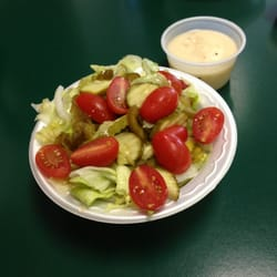 Venice Pizza & Pasta - Salad size that comes with pasta - Lancaster, PA, Vereinigte Staaten