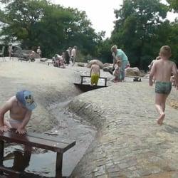 Wasserspielplatz im Britzer Garten, Berlin, Germany