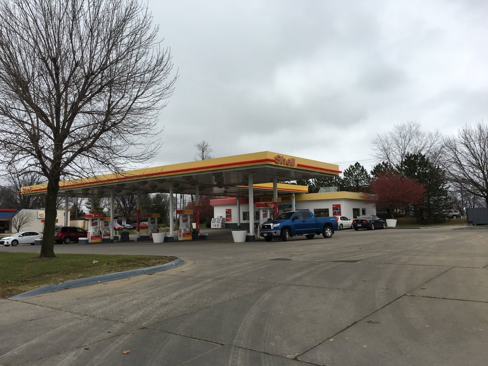 Bettendorf (IA) United States  city pictures gallery : ... & Service Stations Bettendorf, IA, United States Photos Yelp