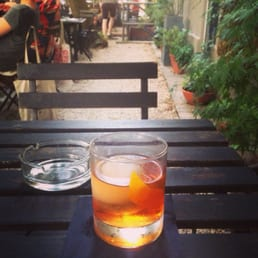 The best Old Fashioned I've had in Berlin. Love this place.