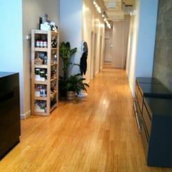 Sacred Lotus Skincare & Holisitic Wellness - Manhattan, NY, États-Unis. Hallway from lobby to service rooms