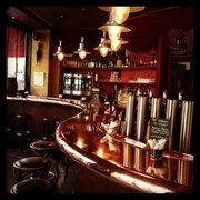 Café Divan - Paris, France. Le bar est tres beau