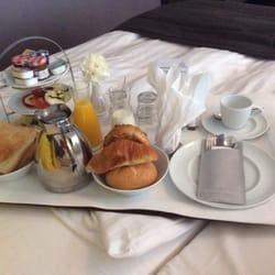 Frühstückservice 2,50€ Aufpreis.